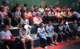 Passeio ao museu do catavento com as crianças e adolescentes de 10 a 14 anos .