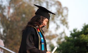 Pesquisa aponta que o diploma superior impacta positivamente o salário das pessoas