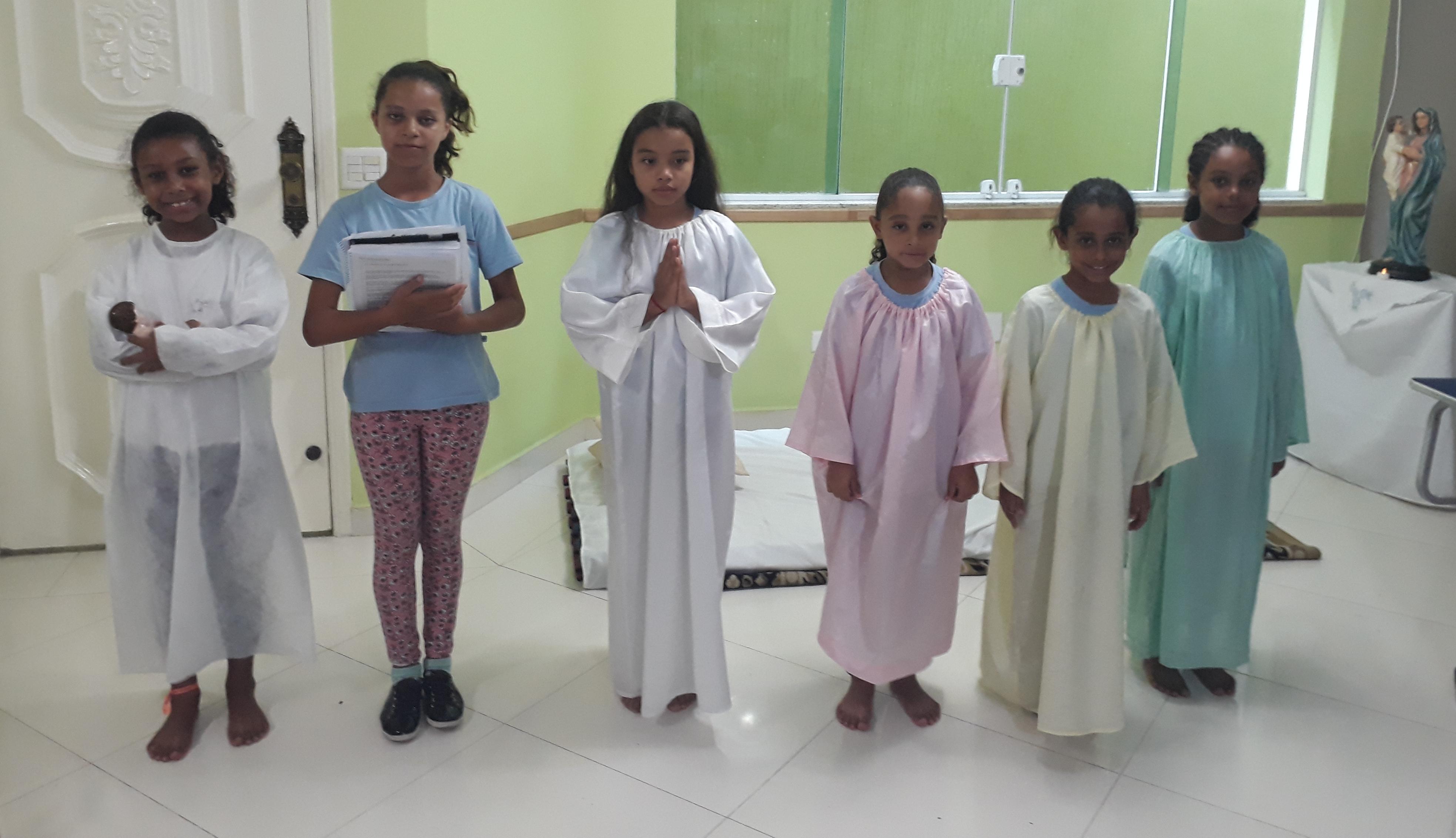celebração e encenação em homenagem a Nossa Senhora do Divino Pranto