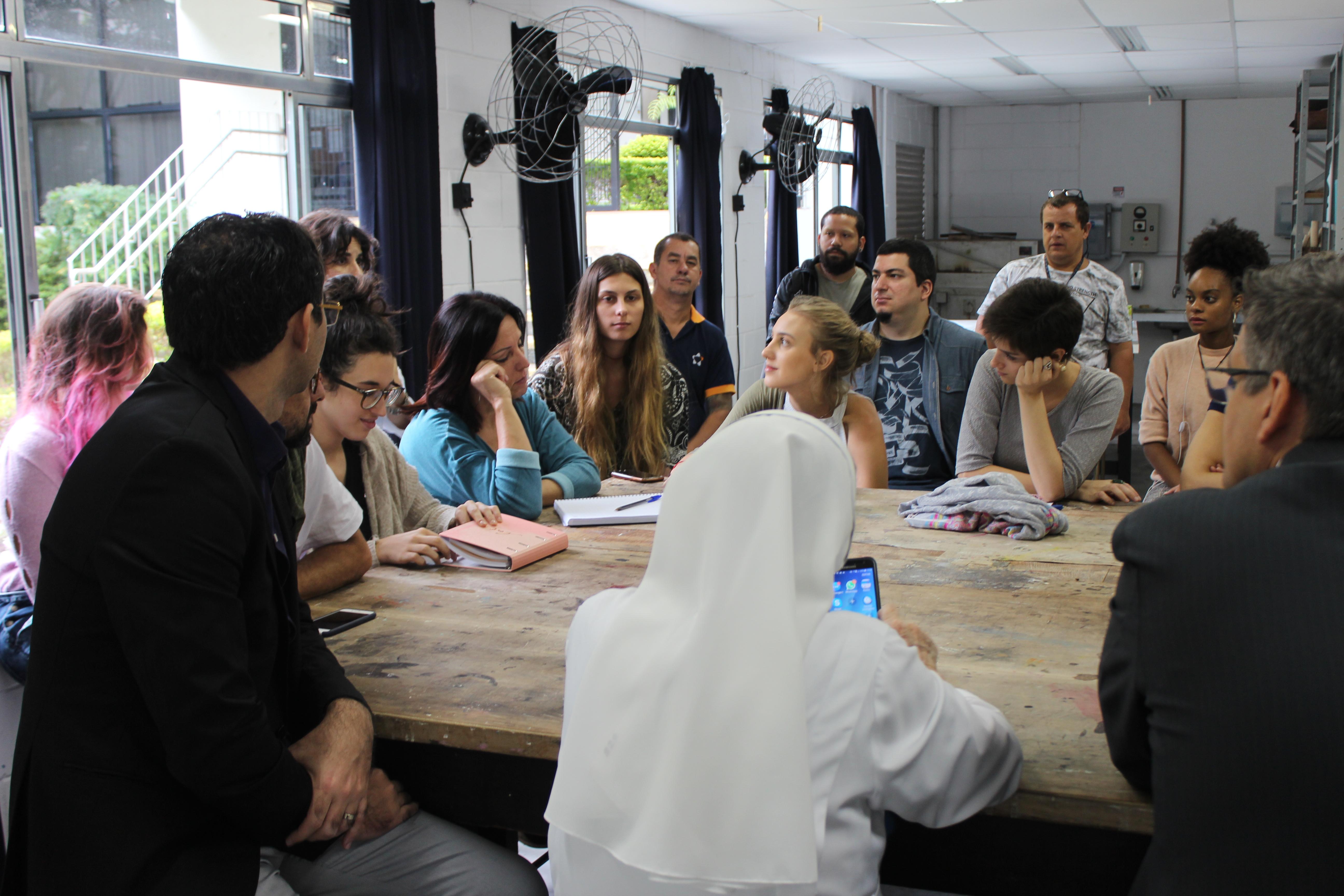 Café com Artista e Exposição - Iconografia e Arte Sacra