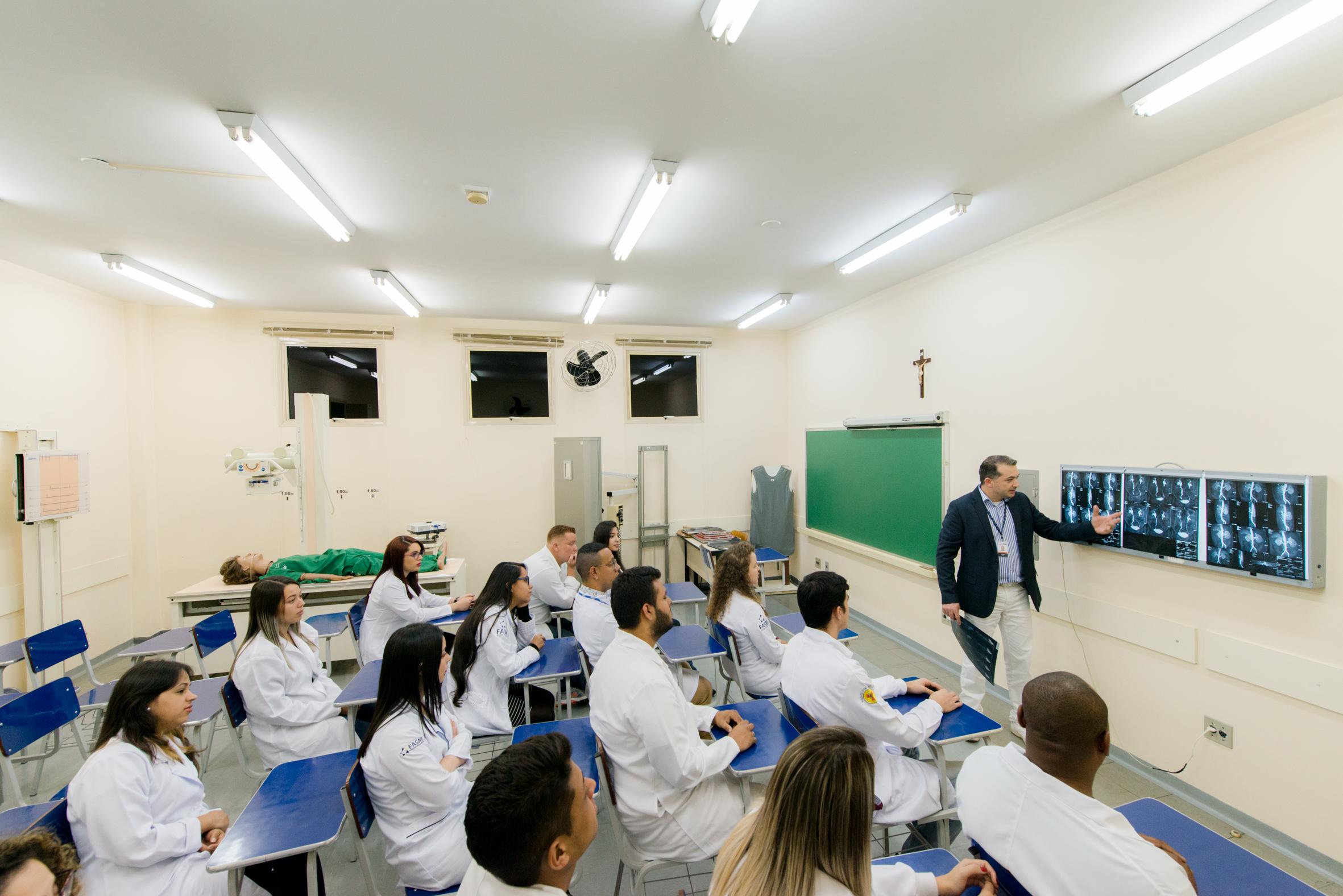 Tecnologia em Radiologia da FASM é reconhecido com nota máxima no MEC.